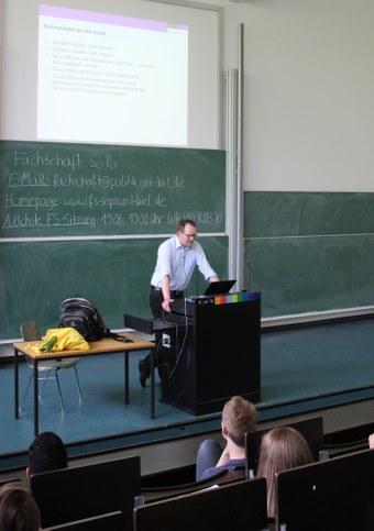 Vortrag PolWis Knelangen